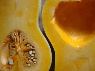 Apple-BUTTER-nut soup https://bigsislittledish.wordpress.com/2010/09/29/apple-butter-nut-squash-soup/