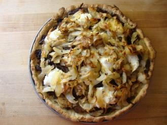 Potato Pizza with Caramelized Onions and Goat Cheese https://bigsislittledish.wordpress.com/2010/10/17/smokey-pumpkin-soup-and-potato-pizza-with-caramelized-onions-and-goat-cheese/