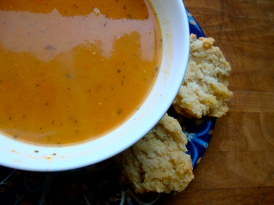 Buttermilk Drop Biscuits https://bigsislittledish.wordpress.com/2011/01/26/carrot-soup-with-fennel-and-fresh-thyme-with-biscuits-traditional-and-gluten-free/