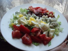 Cobb Salad https://bigsislittledish.wordpress.com/2011/08/01/cobb-salad/