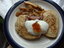 Amaranth Pancakes with Caramelized Frangelico Pears https://bigsislittledish.wordpress.com/2011/07/09/2-kinds-of-gluten-free-pancakes-and-caramelized-fruit-topping/