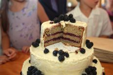 Gluten-Free Lemon Blackberry Wedding Cake https://bigsislittledish.wordpress.com/2011/09/24/gluten-free-lemon-blackberry-wedding-cake/