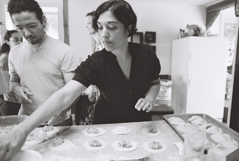Helena and Miguel make Samosas