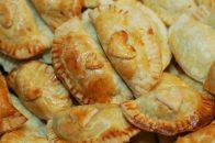 Baked Samosas https://bigsislittledish.wordpress.com/2011/10/11/baked-samosas-2/