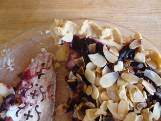 Gluten-Free Plum Ricotta Tart with Almonds https://bigsislittledish.wordpress.com/2011/10/12/plum-ricotta-tart-with-almonds-gluten-free/