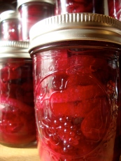 Sweet and Sour Honey Pickled Beets https://bigsislittledish.wordpress.com/2011/11/12/sweet-and-sour-honey-pickled-beets/