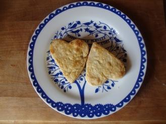 Gluten-Free Buttermilk Biscuits with Lard https://bigsislittledish.wordpress.com/2011/11/25/lard-have-mercy-gluten-free-pro-glutton-buttermilk-biscuits/