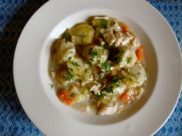 Chicken and Dumplings https://bigsislittledish.com/2011/11/27/chicken-and-dumplings-gluten-free-and-traditional/