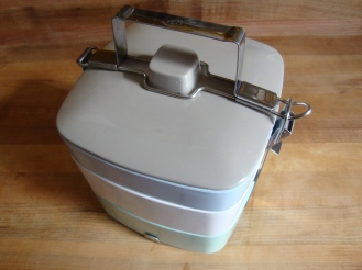 Frugal Packed Lunches https://bigsislittledish.wordpress.com/2012/02/16/what-do-you-think-sis-frugal-packed-lunches-for-all-seasons/