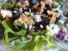 Green Salad with Marinated Figs https://bigsislittledish.wordpress.com/2011/12/24/christmas-salad-with-figs-marinated-in-spiced-wine-blue-cheese-and-toasted-walnuts/