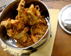 Brussel Sprout Pakora https://bigsislittledish.wordpress.com/2011/12/28/brussel-sprout-pakora/