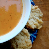 Carrot Soup with Fennel and Fresh Thyme with Biscuits (Traditional and Gluten-Free)