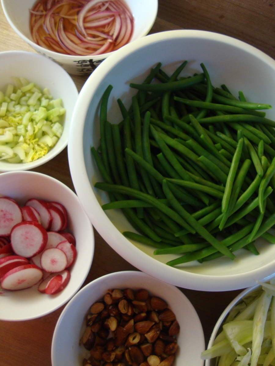 Crunchy and Colourful Green Bean Salad