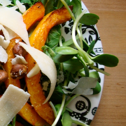 Pea Shoot, Sunflower Sprout and Roasted Squash Salad https://bigsislittledish.wordpress.com/2012/02/25/pea-shoot-sunflower-sprout-and-roasted-squash-salad/