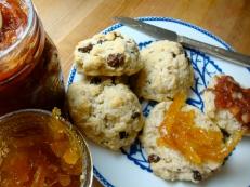 Gluten-Free Irish Soda Bread Scones https://bigsislittledish.wordpress.com/2012/03/14/irish-soda-bread-inspired-scones-gluten-free-traditional-irish-soda-bread/