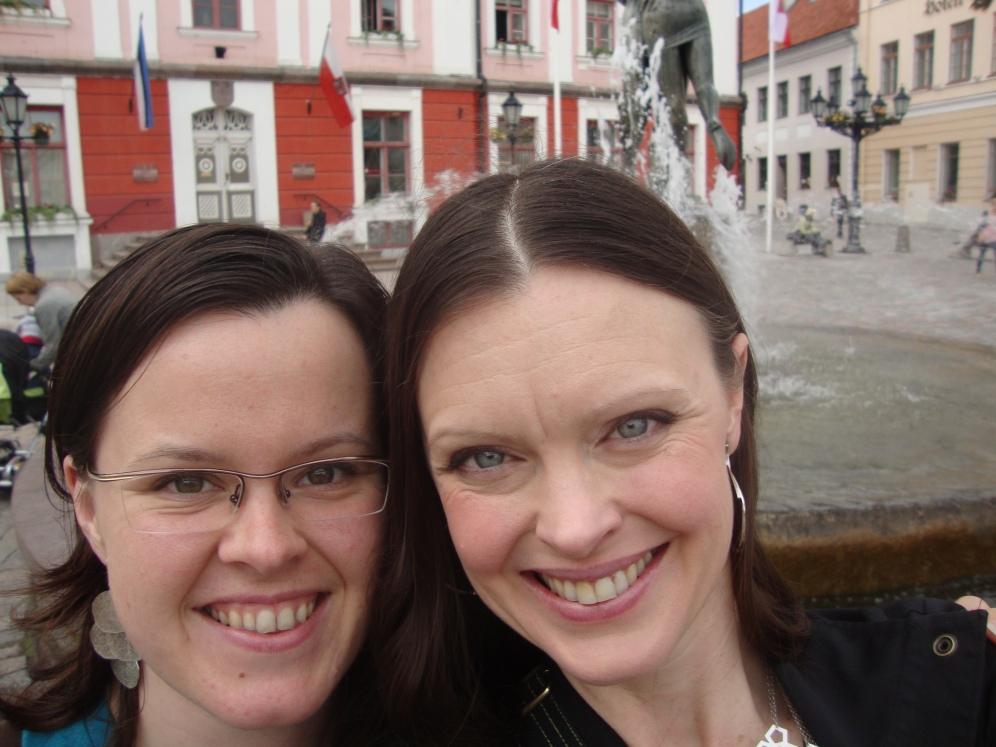 Travelling Fools (in Estonia) https://bigsislittledish.wordpress.com/2012/06/12/traveling-fools/