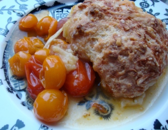 Tomato Cobbler (Gluten-Free) https://bigsislittledish.wordpress.com/2012/07/21/tomatotart-tomato-pie-tomato-cobbler-all-gluten-free-or-not/