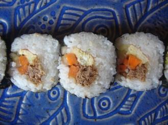 Hawaii Style Sushi https://bigsislittledish.wordpress.com/2012/08/22/hawaii-style-sushi-in-new-york/
