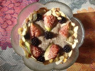 Chia Seed Pudding with Figs and Blackberries https://bigsislittledish.wordpress.com/2012/09/08/chia-seed-pudding-with-figs-and-blackberries/