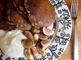 Gluten-Free Sourdough Buttermilk GIngerbread Pancakes https://bigsislittledish.wordpress.com/2012/10/24/sourdough-buttermilk-gingerbread-pancakes/