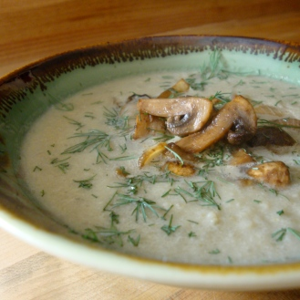 Creamed Parsnip and Apple Soup https://bigsislittledish.wordpress.com/2012/11/10/creamed-parsnip-and-apple-soup-with-mushroom-dill-garnish/
