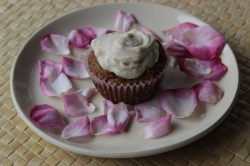 Gluten-Free Carrot Cardamom Muffins with Coconut Rose Icing https://bigsislittledish.wordpress.com/2013/03/30/carrot-cardamom-muffins-with-coconut-rosewater-icing-gluten-free/