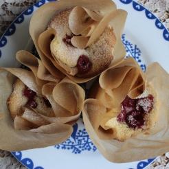Little Almond Cakes with Fresh Raspberries https://bigsislittledish.wordpress.com/2013/07/10/little-almond-cakes-with-fresh-raspberries-gluten-free/