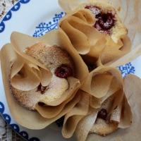 Little Almond Cakes with Fresh Raspberries (Gluten-Free)