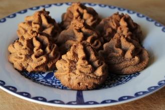 https://bigsislittledish.wordpress.com/2013/05/02/tiny-coconut-chocolate-cakes-gluten-free/