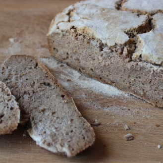 Gluten-Free Brown Sourdough Bread https://bigsislittledish.wordpress.com/2013/06/08/everyday-brown-sourdough-bread/