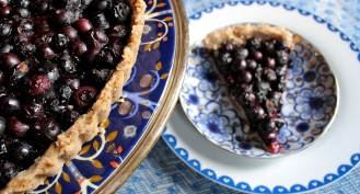 Gluten-Free Blueberry Lemon Tart with a Coconut Crust https://bigsislittledish.wordpress.com/2013/08/21/blueberry-lemon-tart-with-a-coconut-crust-gluten-free-and-vegan/