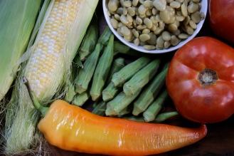 Eastern Tennessee Harvest Succotash https://bigsislittledish.com/2013/09/14/eastern-tennessee-harvest-succotash/