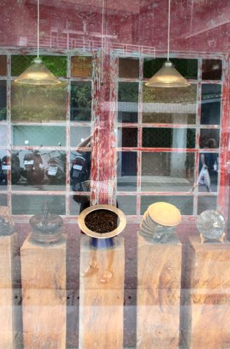 Beautiful displays of tea in the Yongkang Road area