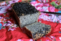 Gluten-Free Black Sesame and Lemon Tea Cake/ Travels in Taiwan https://bigsislittledish.wordpress.com/2013/10/27/tea-time-in-taipei-black-sesame-and-lemon-tea-cake-gluten-free/