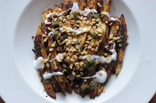 Aloo Chat Oven Fries https://bigsislittledish.wordpress.com/2013/12/17/aloo-chat-inspired-oven-fries/