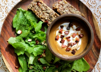 Kabocha Pumpkin and Chestnut Soup With Chorizo https://bigsislittledish.wordpress.com/2014/01/26/kabocha-pumpkin-and-chestnut-soup-with-chorizo/