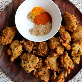 Hakurei Turnip and Spring Onion Pakora https://bigsislittledish.wordpress.com/2014/06/22/hakurei-turnip-and-spring-onion-pakora-with-chat-masala-farmshare-cooking/