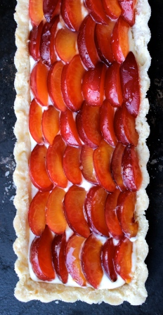 Adaptable Fresh Fruit and Mascarpone Tart https://bigsislittledish.wordpress.com/2014/07/26/adaptable-fresh-fruit-and-mascarpone-tart-gluten-free-or-not-farmshare-cooking/