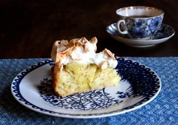 Goddess Apple Cake with a Meringue Topping (gluten-free) https://bigsislittledish.wordpress.com/2014/10/18/goddess-apple-cake-with-a-meringue-topping-gluten-free/
