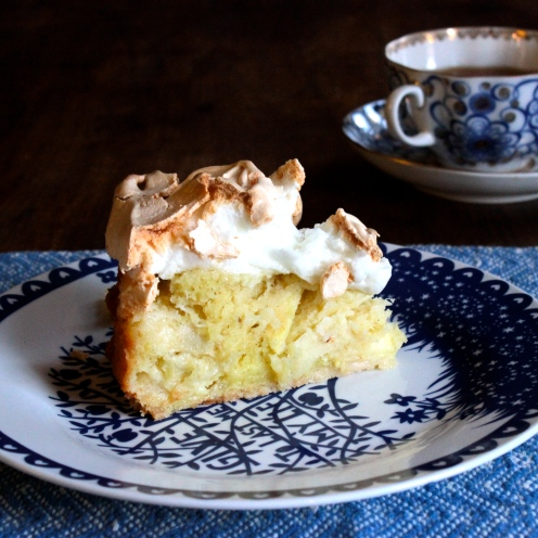 Goddess Apple Cake with a Meringue Topping (gluten-free) https://bigsislittledish.wordpress.com/2014/10/18/goddess-apple-cake-with-a-meringue-topping-gluten-free/