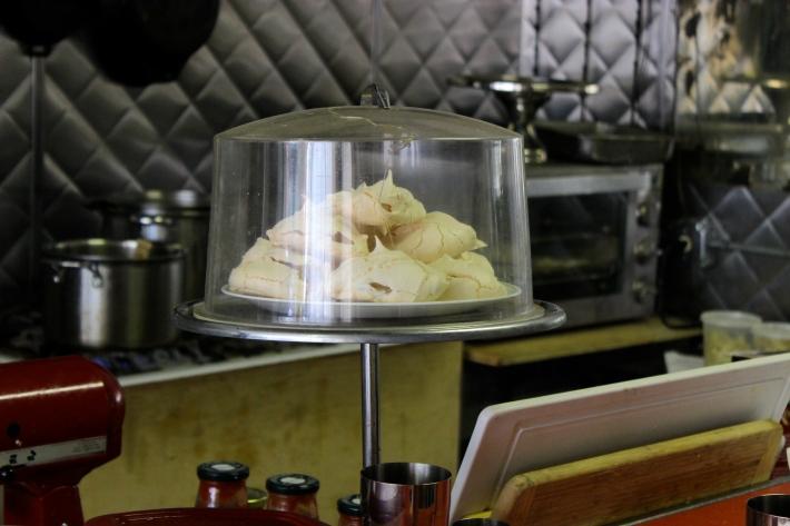 Kid-made meringues