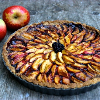 Blackberry Apple Tart with a Salted Almond Crust (gluten-free and vegan) https://bigsislittledish.wordpress.com/2015/08/22/blackberry-apple-tart-in-a-salted-almond-crust-gluten-free-and-vegan-my-mums-birthday/