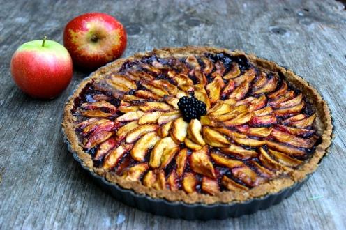 Blackberry Apple Tart with a Salted Almond Crust (gluten-free and vegan) https://bigsislittledish.wordpress.com/2015/08/22/blackberry-apple-tart-in-a-salted-almond-crust-gluten-free-and-vegan-my-mums-birthday/