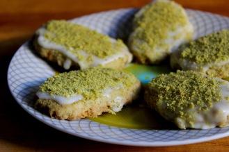 Pistachio Shortbread with Lemond Glaze (vegan and gluten-free) https://bigsislittledish.com/2016/12/03/pistachio-shortbread-with-lemon-glaze-vegan-and-gluten-free-superheroes-in-our-midst/