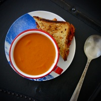 Comforting Classic Tomato Soup (but vegan)